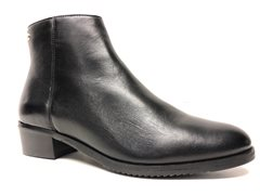 Park west black leatherboots